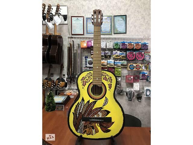 купить бу (3617) Гітара з Росписью& laquo; Індіанець& raquo; (Нові Колки та Струни) в Киеве