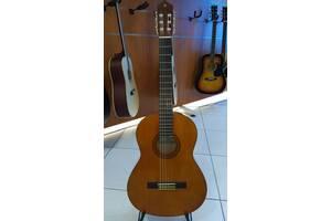 """Гитара классическая """"YAMAHA """" C40 + гитарный ремень в подарок."""