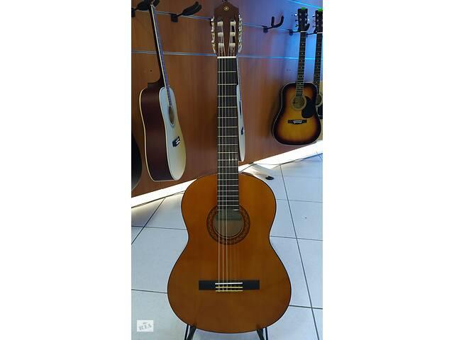 """продам Гитара классическая """"YAMAHA """" C40 + гитарный ремень в подарок. бу в Кременчуге"""
