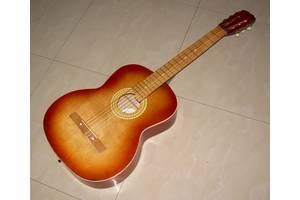 Классическая шестичтрунная гитара для начинающих