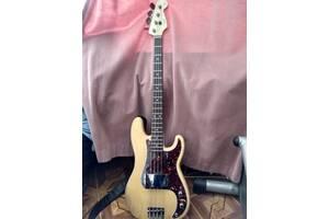 Продается бас гитара Fender precision 57
