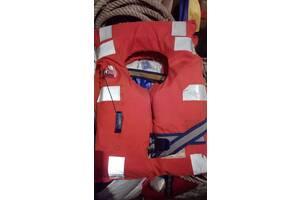 Продам б/у спасательные жилеты