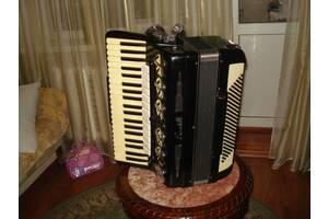 Продаю итальянский аккордеон Skandalli