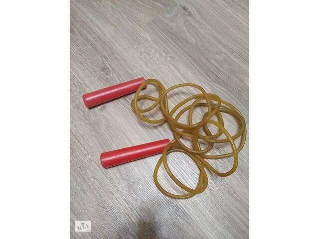продам Скакалка, довжина від кінчика ручки до іншого кінчика 244 см. бу в Ромнах