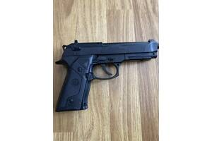 Страйкбольної пістолет Beretta Elite II
