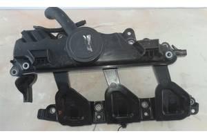 Клапанная крышка на Renault Trafic Opel Vivaro  2.0 DCI 06-14 8200836881 \Оригинал\