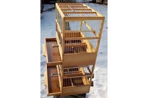 Клітки для птахів багатоярусні.