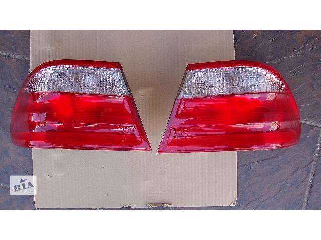 купить бу Комплект задних наружных фонарей W210 в Николаеве