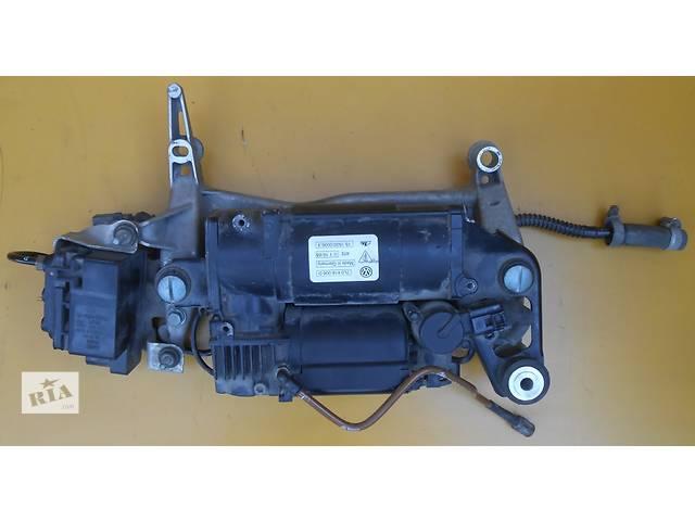 купить бу Компрессор пневмоподвески Volkswagen Touareg 2003-2009 в Ровно