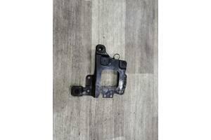 Крепление АКБ аккумулятора 3M51-R6K034AG Вольво Volvo V50 2004-2012