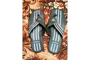 Нові чоловічі шльопанці Adidas