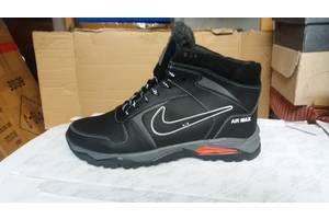 Нові чоловічі черевики і напівчеревики Nike