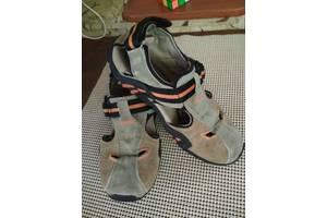 б/в Дитячі сандалі Geox