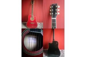б/у Акустические гитары Leoton