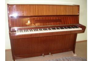 б/у Акустические пианино Petrof