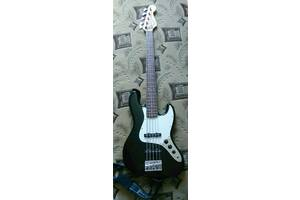 б/у Гитары Squier by Fender