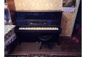 б/в Акустичні піаніно