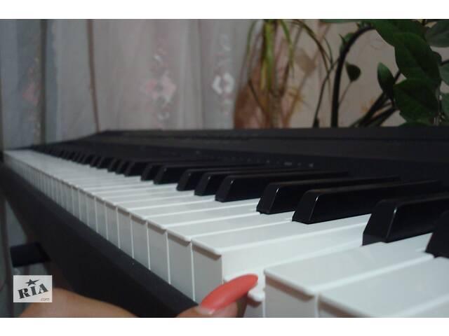 Срочно продаю сценическое пианино yamaha p-105b- объявление о продаже  в Мариуполе (Донецкой обл.)