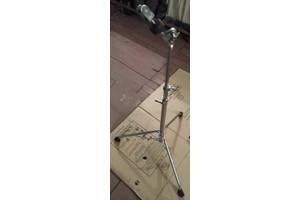 б/у Клэмпы, стойки, держатели для ударных инструментов