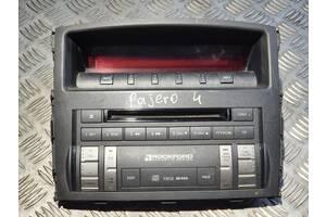Накладка панели с экраном в сборе Rockford Mitsubishi Pajero Wagon IV - 8002A423XA, 8750A042