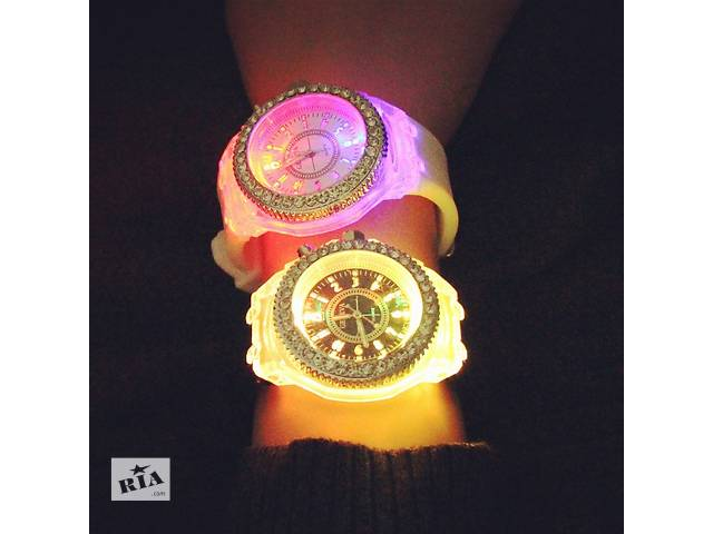 Новинка!!!Женские часы Geneva Led- объявление о продаже  в Днепре (Днепропетровск)