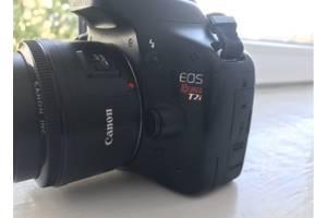 б/в Дзеркальні фотоапарати Canon EOS 550D