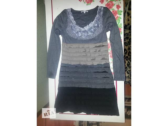 продам Платье с рукавом бу в Умани