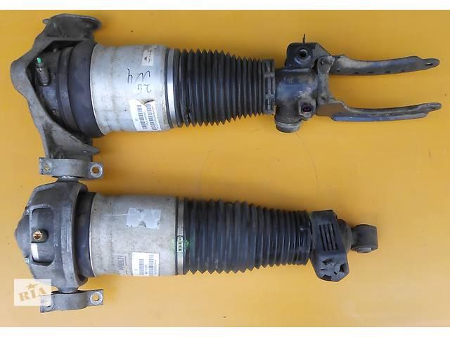 купить бу Пневмобаллон пневмостойка амортизатор передний правый 7L6412022AG VW Touareg Туарег в Ровно