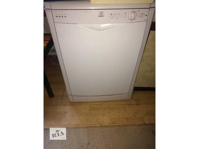 Продам б/у посудомоечную машинку Indesit- объявление о продаже  в Киеве