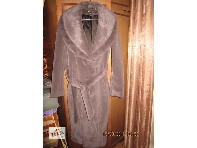 продам продам пальто бу в Киеве