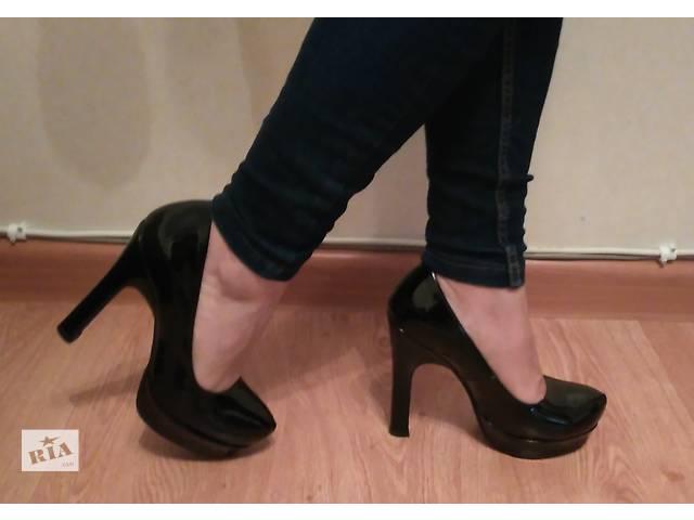 купить бу Продам стильные лаковые туфли в Одессе