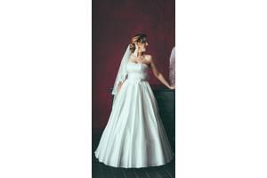 Продам СВАДЕБНОЕ платье (два образа в одном!) В подарок фата и кольца! Не венчанное!