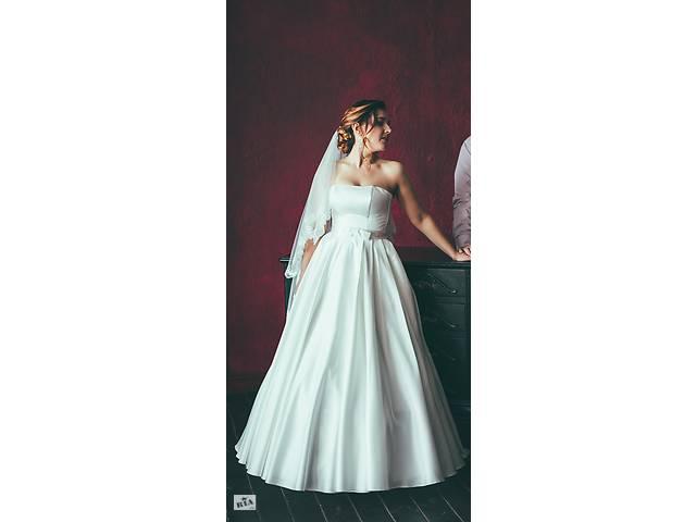купить бу Продам СВАДЕБНОЕ платье (два образа в одном!) В подарок фата и кольца! Не венчанное! в Киеве