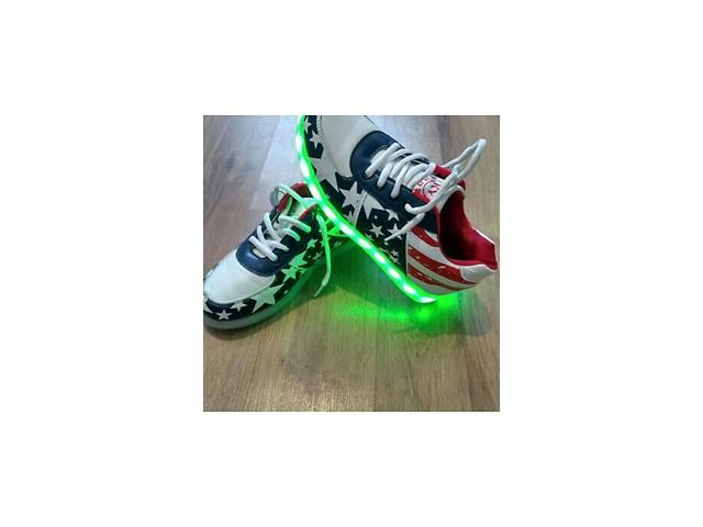 купить бу Продам светящиеся кроссовки!!! в Синельниково (Днепропетровской обл.)