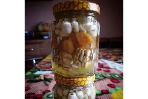 Орехи и сухофрукты в меде