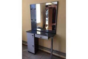 продам  рабочий стол для парикмахера или визажиста