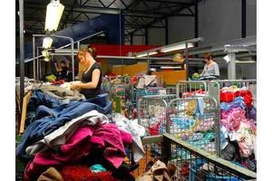 Женщины в Латвию на сортировку одежды!