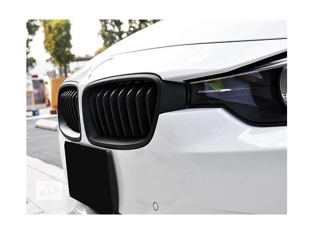 продам Решетка радиатора ноздри BMW F30 F31 черный мат FKGSBM14005 бу в Луцке