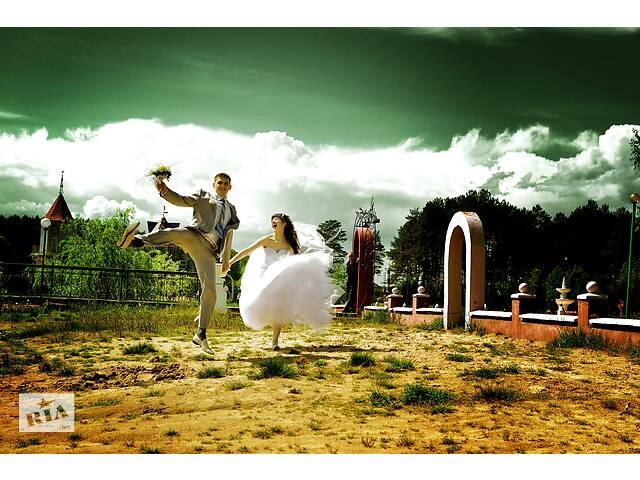 Фотограф, відеооператор, відеоограф / свадебная видео и фотосъемка- объявление о продаже  в Ровно