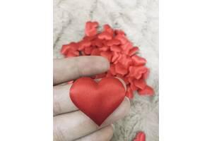 Праздничное конфетти сердце лепестки подарок помолвка свадьба