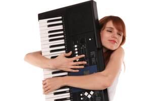 Уроки гри на синтезаторі, фортепіано для дітей та дорослих
