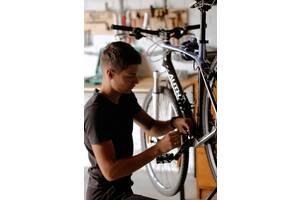 Веломайстерня Шприха, велосервіс, ремонт велосипедів у Солонці. Ремонт самокатів, ремонт роликів, ремонт скейтів.