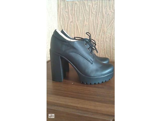 купить бу Туфлі натуральна шкіра туфли кожа натуральная в Копылове