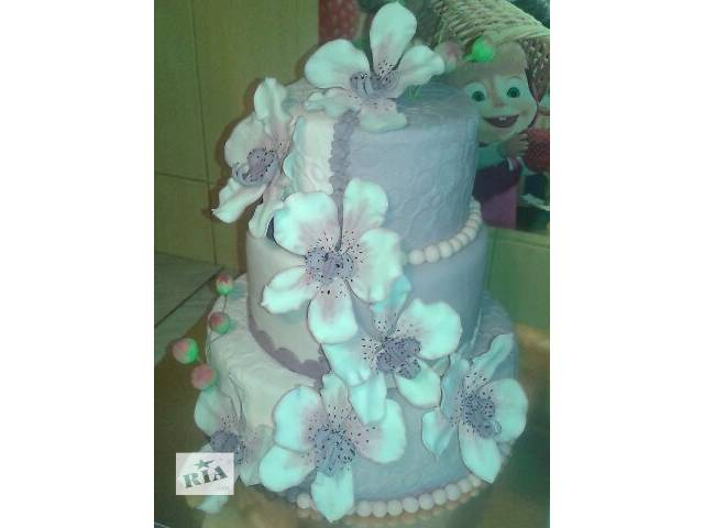 бу Свадебный 3-х ярусный торт с бело-сиреневыми орхидеями в Киеве