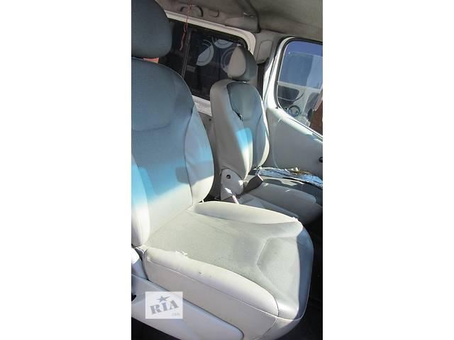 продам Сиденье пассажирское одинарное, двойное Renault Trafic Рено Трафик Opel Vivaro Опель Виваро Nissan Primastar бу в Ровно