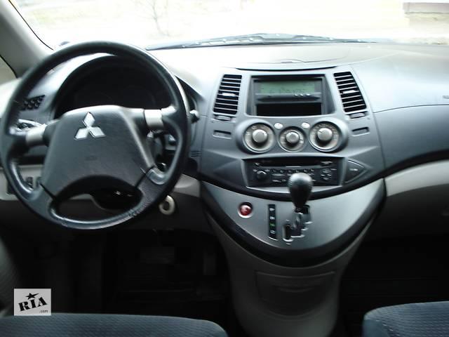бу  Торпедо/накладка для легкового авто Mitsubishi Grandis в Киеве