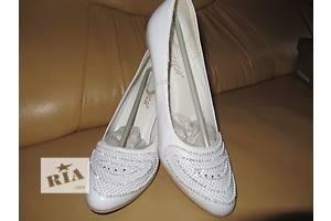8a3fef7d7319a1 Жіноче взуття Тернопіль - купити або продам Жіноче взуття (Жіноче ...