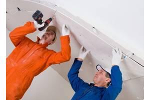 Мужчины мастера по внутренних работах на строительство в Чехию