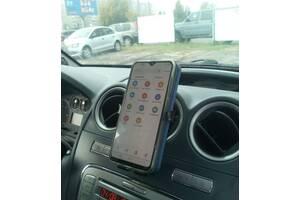 Подставка под телефон в машину
