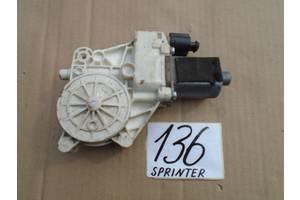 VW Crafter моторчик стеклоподъемника передний правый 136 в наличии